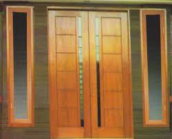 Pintu kayu rumah minimalis